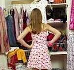 в гардеробе